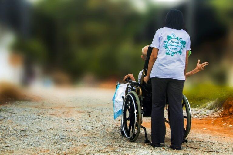 Aumento pensione invalidità: serve la domanda; circolare INPS