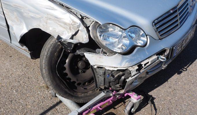 RC Auto, calano i prezzi delle polizze per gli automobilisti