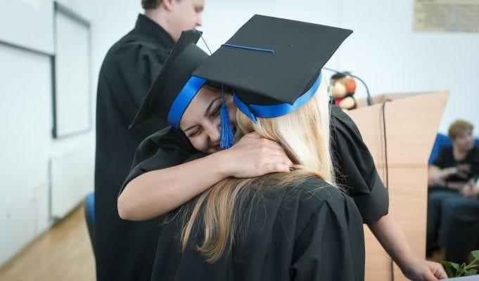 Pensione con riscatto laurea, non a tutti conviene