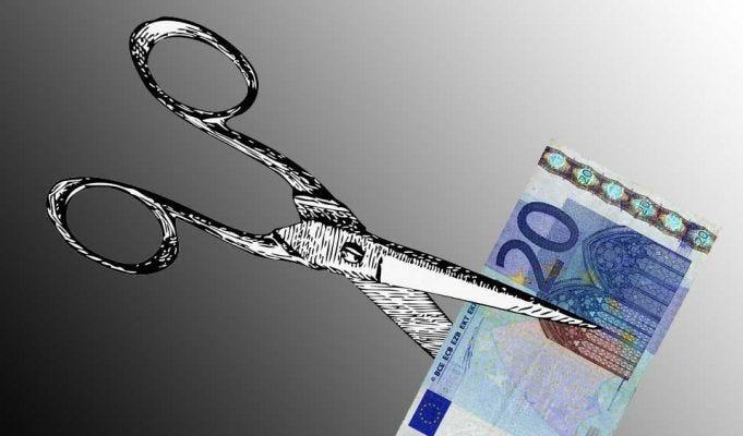 Tagli al Reddito di Cittadinanza, da settembre viene ridotto se non si spende tutto