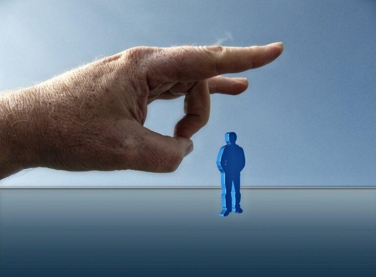 Blocco licenziamenti, Misiani: proroga solo per i settori in crisi