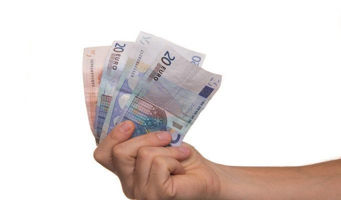 Carta acquisti 480 euro compatibile con reddito di cittadinanza, ma attenzione ai requisiti