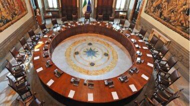 Decreto Sostegni bis: proroga blocco dei licenziamenti e i precari della scuola